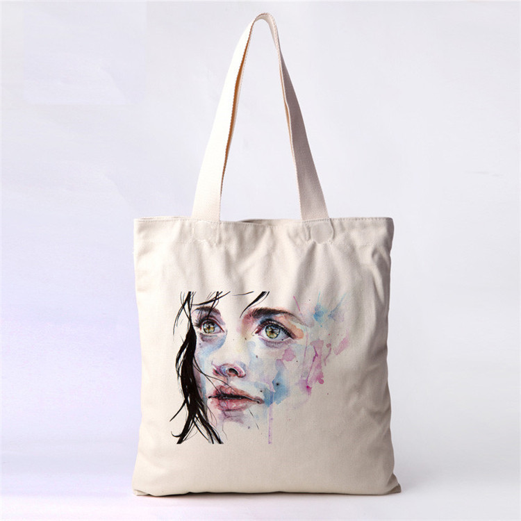 Sai come sono nate le Tote Bag? Amiche dell'ambiente o mera strategia di marketing?