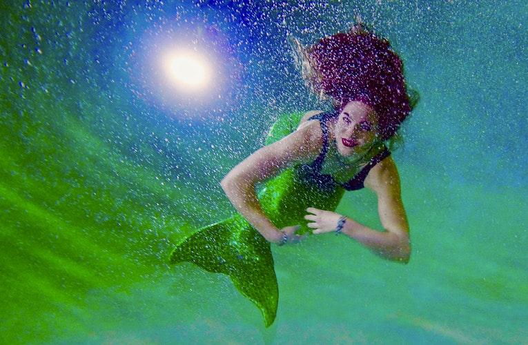 Hai sempre sognato di essere come Ariel? Ecco cos'è il Mermaiding!