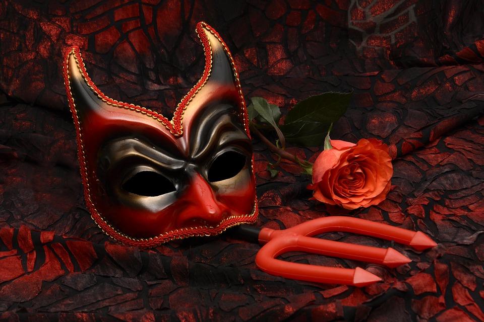 Costumi di Carnevale originali per adulti e bambini | Mondo Moda