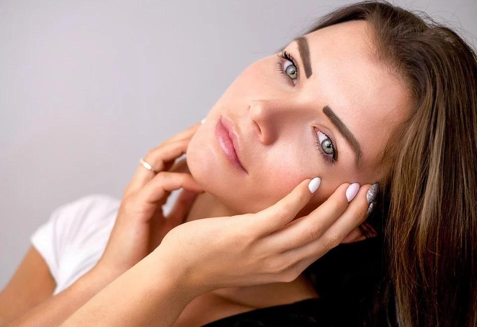 Quando utilizzare una crema antirughe? Consigli per scegliere la crema migliore